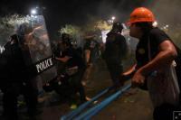 Terjadi Bentrokan, Puluhan Demonstran dan Polisi di Bangkok Luka-luka