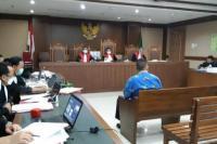 Illustrasi: Sidang lanjutan kasus suap pengadaan bansos covid dengan terdakwa Harry Van Aidabuke dan Ardian Iskandar Maddanatja