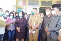 Lurah se-Kota Kupang Demo Protes Pemukulan oleh Oknum Anggota DPRD Kota Kupang