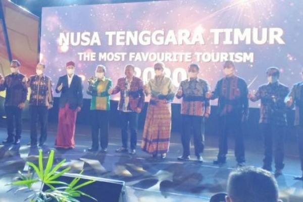 NTT  terpilih sebagai juara umum Anugerah Pesona Indonesia 2020 dengan nominasi yang berhasil diraih yakni juara 1 pada 5 kategori dan juara 2 pada 3 kategori dari total 18 kategori.