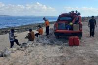 Nelayan di Kupang Barat Hilang Setelah Jatuh dari Perahu di Laut