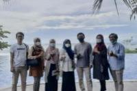Ketua Umum Apmasindo, Muhammad Ramdhan (tengah) bersama jajarannya (foto:istimewa)