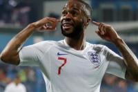 Penyerang Inggris Raheem Sterling menuduh media Inggris membantu menghasilkan rasisme dengan cara menggambarkan pemain sepakbola kulit hitam muda (Foto: Carl Recine / Reuters)
