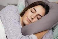 Ilustrasi.Wanita tidur.(foto: Freepik.com/tempo.co)